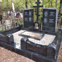 Двойной памятник с крестом 2